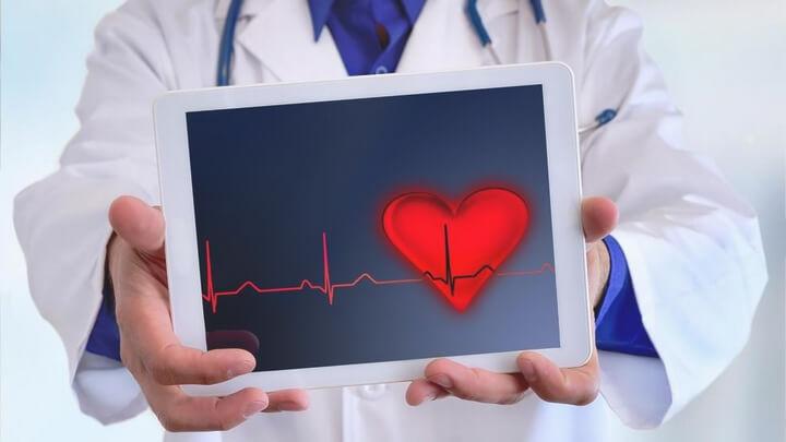 kalpte ritim bozukluğu taşikardi belirtileri tedavisi nedenleri
